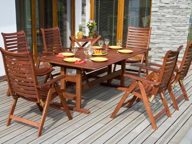 Things to Consider in Choosing Wooden Patio Furniture