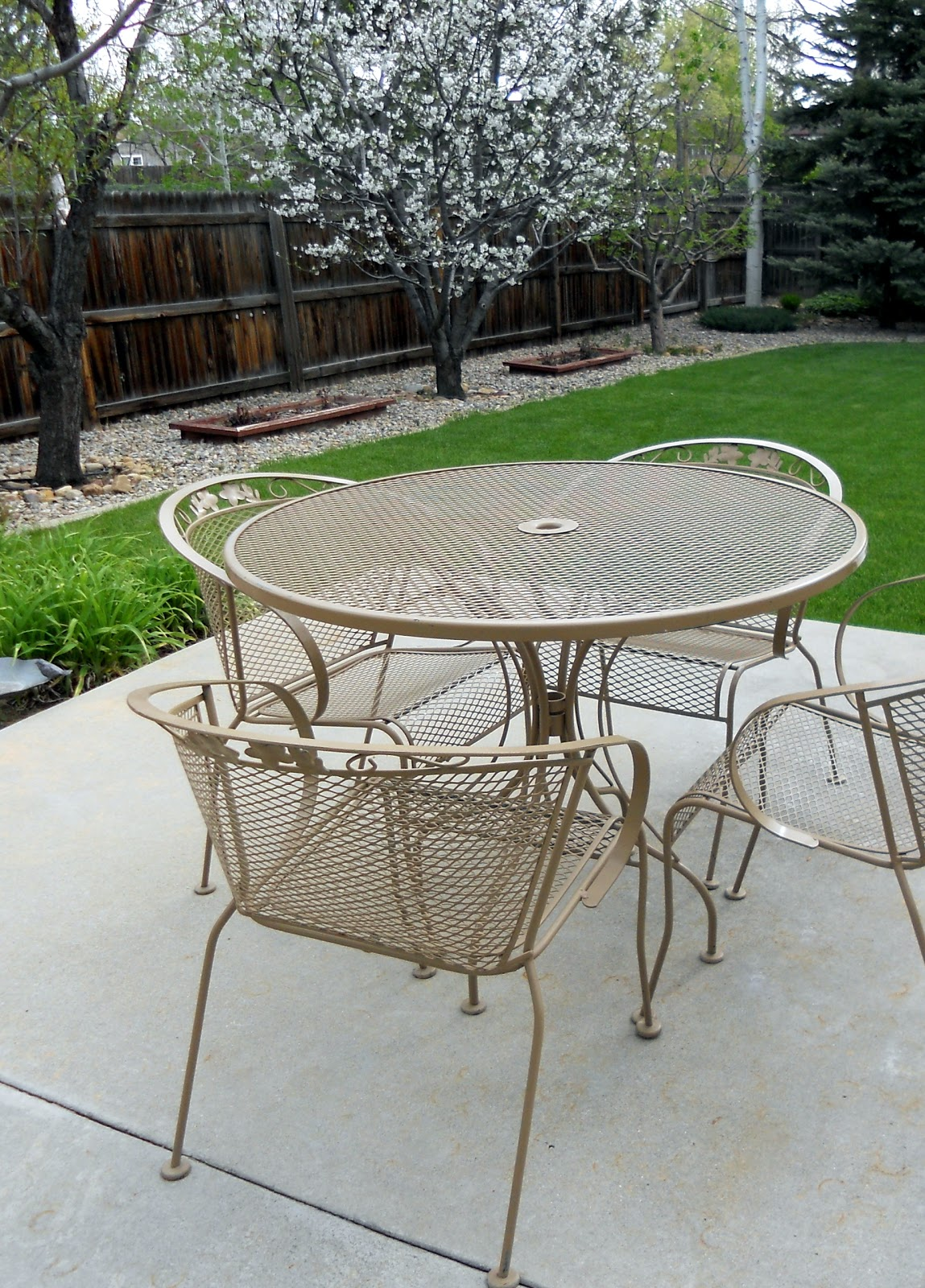 wrought iron patio set refurbishing wrought iron furniture. ZRSVCNZ