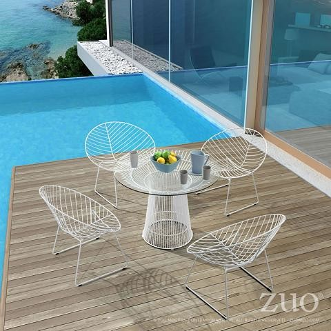 Using Acrylic And Wire Frame Furniture To Preserve An Outdoor View