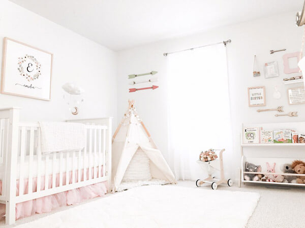 Possible Ideas For Decorating   A Baby Girls Bedroom