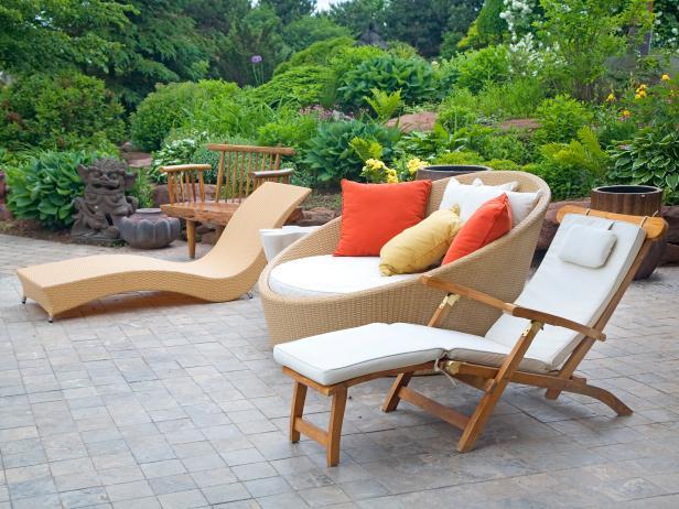 Modern Outdoor Furniture | HGTV