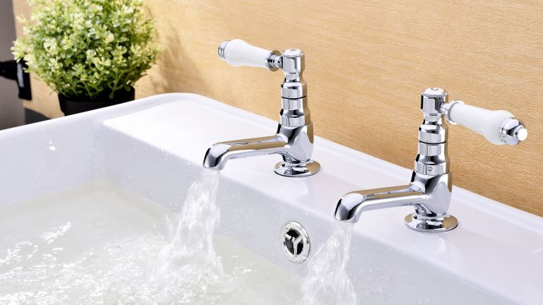 How to choose the best bathroom taps | Real Homes