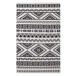 Black and White Rugs for Your   Sober Yet Classy Environment
