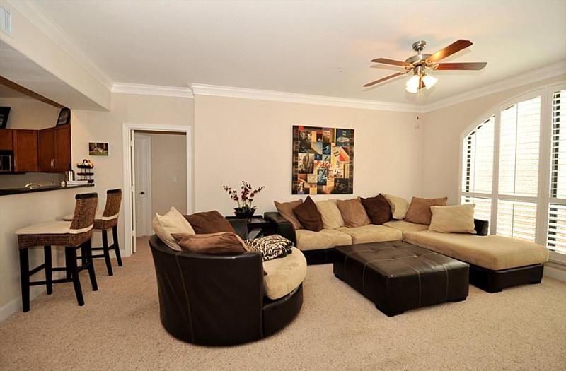 Brown, tan, and black living room!   Home Design Ideas   Home Decor