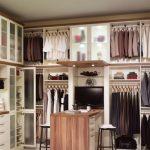 Install The Custom Closet To   Enhance The Great Look