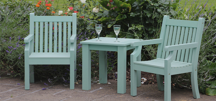 How to Choose the Best Garden Bistro Set for the Summer 2018