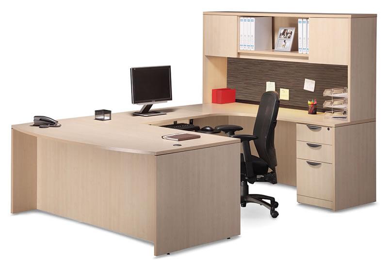U Shaped Desk with Hutch and Tackboard Visconti