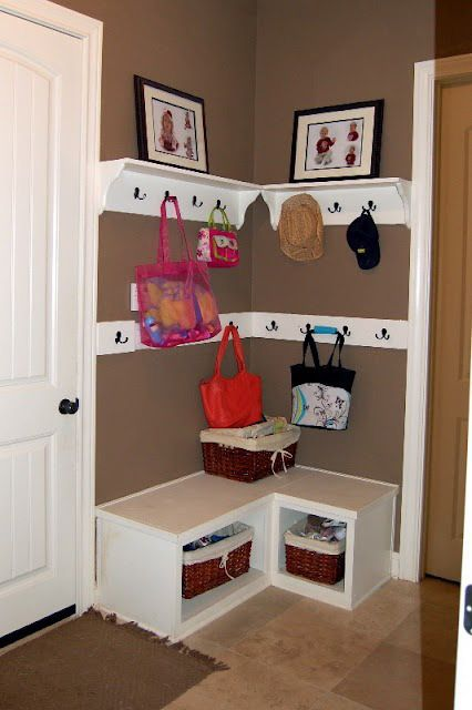 52 Brilliant and Smart Kids Rooms Storage Ideas (6)good use for a