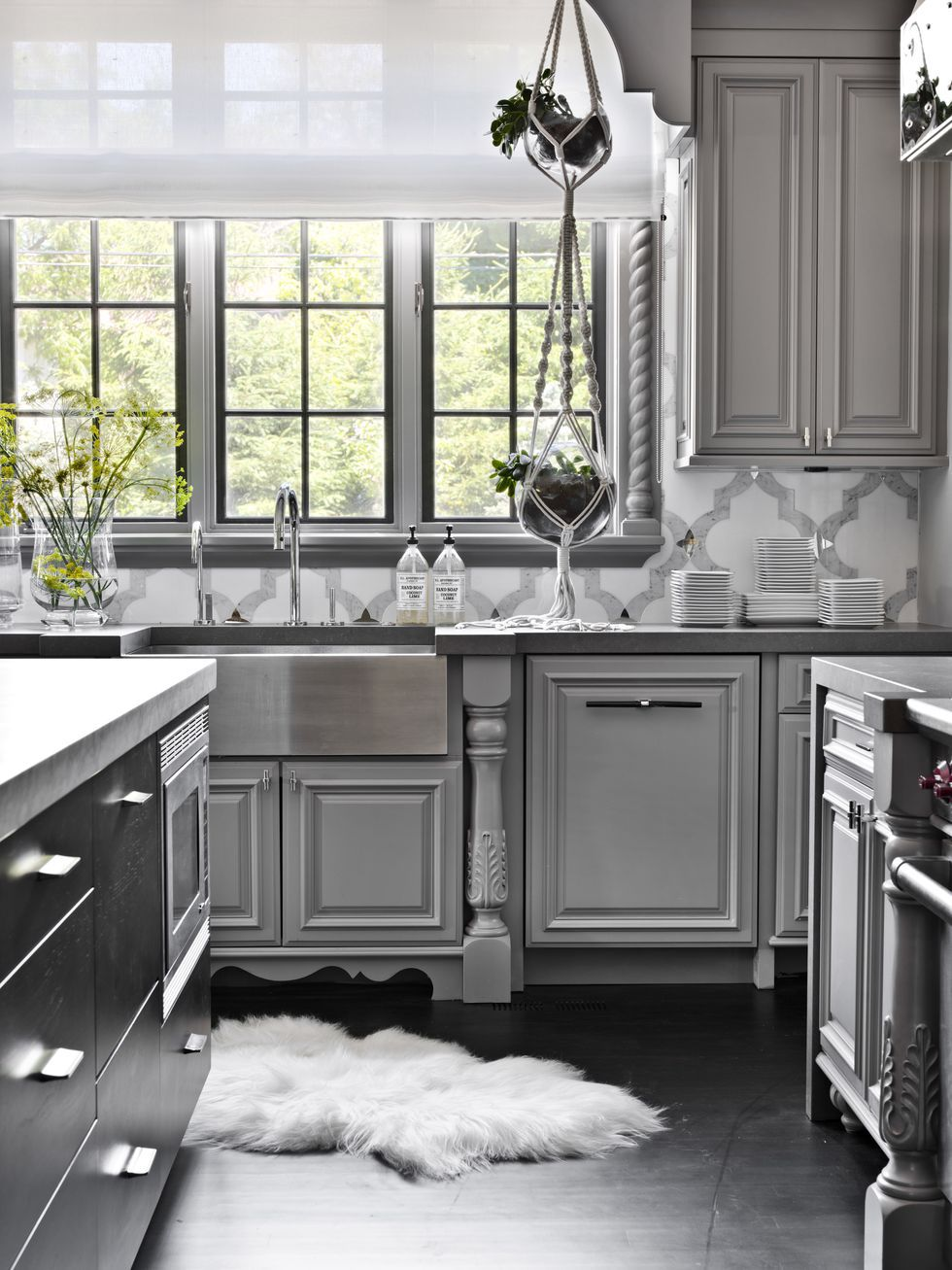 Decorate your kitchen with   Attractive Kitchen backsplash tile