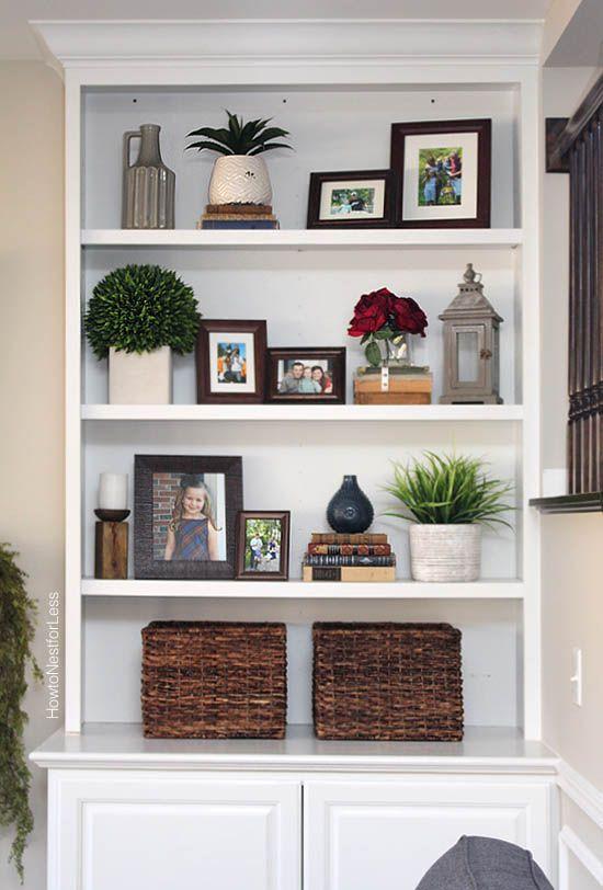 Styled Family Room Bookshelves | decorating bookshelf | Living room