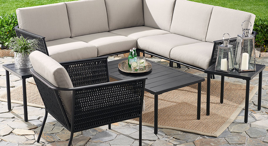 Grab The Best Of Outdoor   Furniture