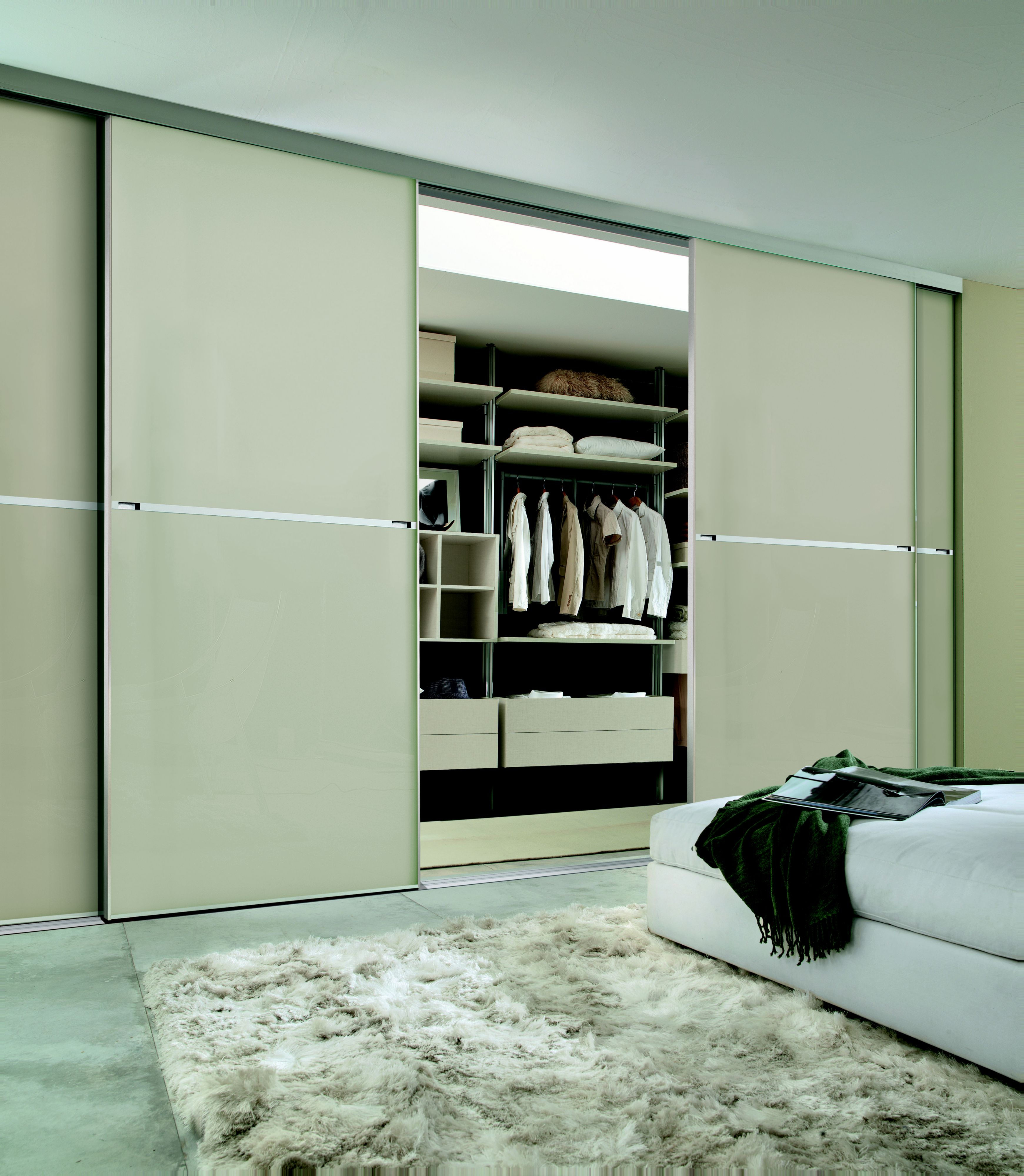 Benefits That You Get From   Sliding Doors Wardrobe
