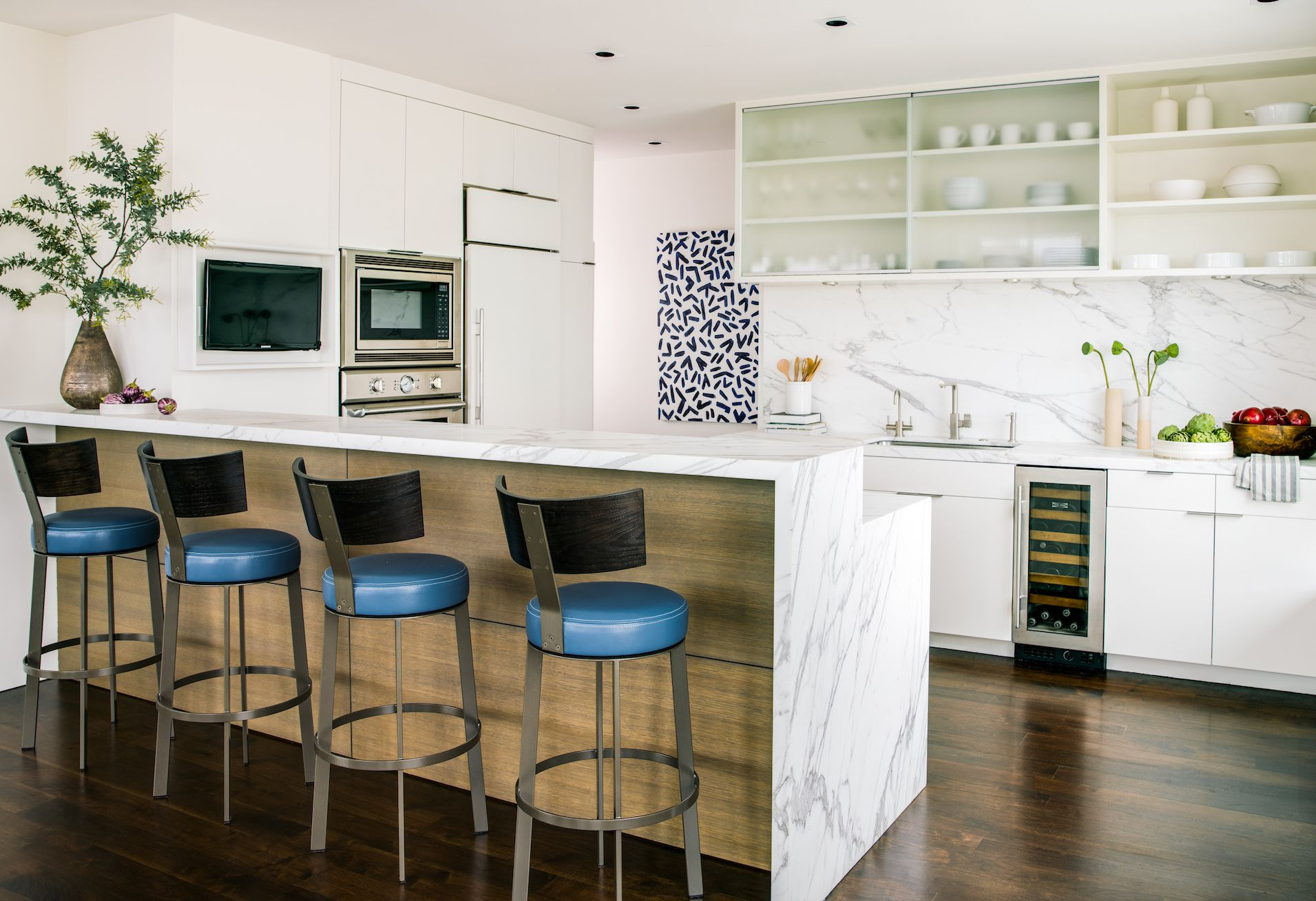 Top Kitchen Trends 2019 - What Kitchen Design Styles Are In & Out