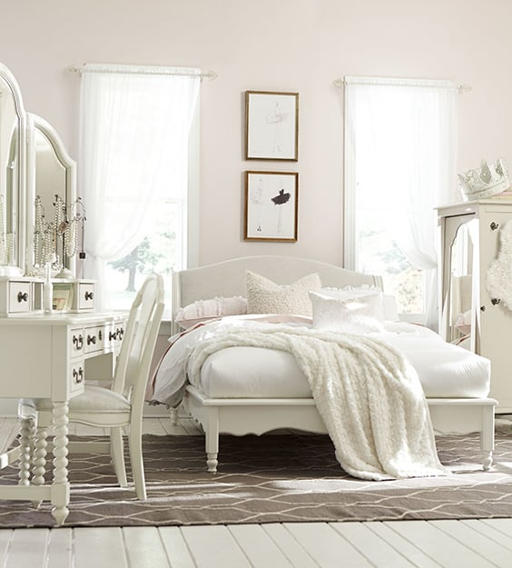 54 Amazing All-White Bedroom Ideas | The Sleep Judge
