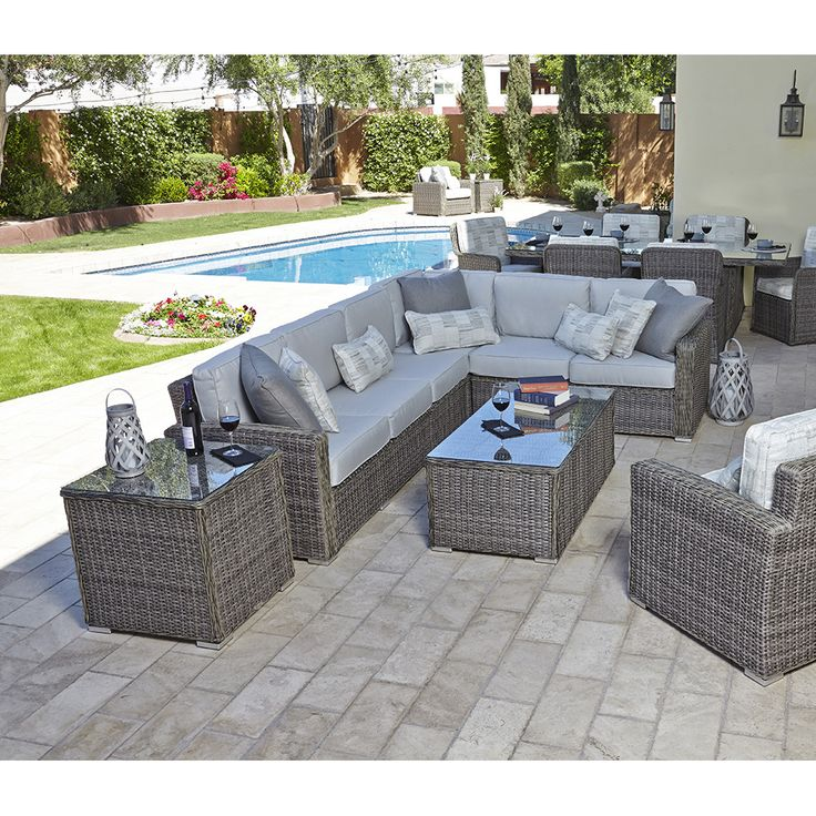 Woodard Bay Shore Wicker L-Sectional