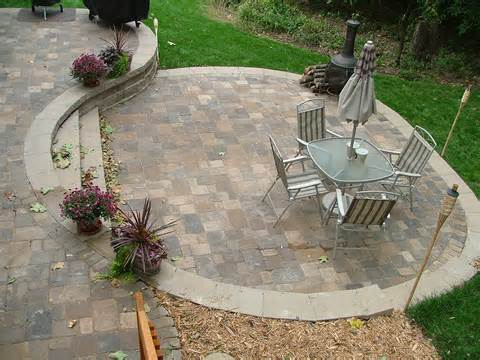 Small terrace ideas with paving stones