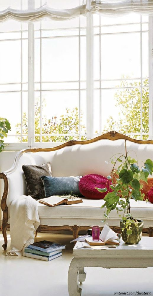 Decorating With The French Cabriole/Cabriolet Sofa