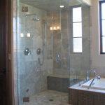 Convenient bathroom bench: advantages and designs